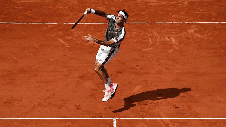 Roger Federer à Roland-Garros, le 4 juin 2019. (MARTIN BUREAU / AFP)