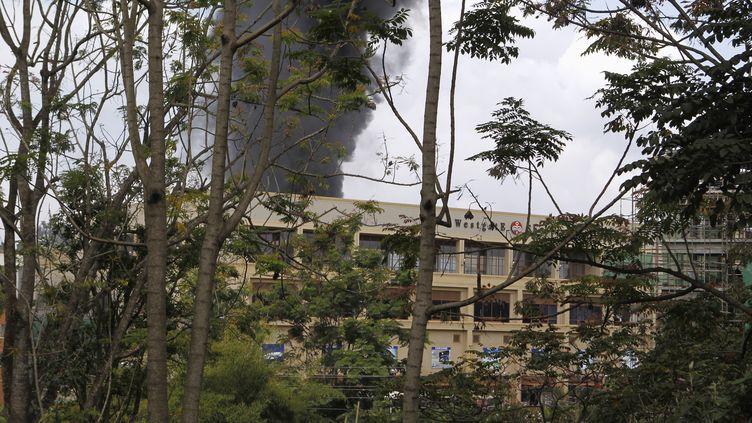 Le centre commercial Westgate de Nairobi (Kenya), visé par une attaque terroriste, le 23 septembre 2013. (THOMAS MUKOYA / REUTERS)