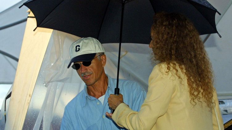 Keith Jarrett et sa femme à la fin des balances, au festival Jazz à Juan, le 16 juillet 2020. (JACQUES MUNCH / AFP)