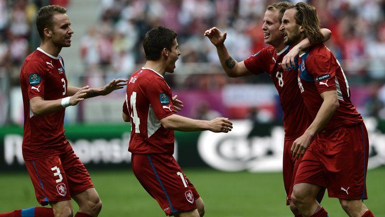 La joie des Tchèques après le premier but marqué face à la Grèce, mardi 12 juin 2012 àWroclaw (Pologne). (ARIS MESSINIS / AFP)