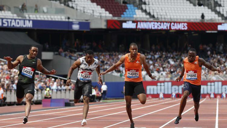Ronnie Baker s'impose dans la finale du 100 m  (IAN KINGTON / AFP)