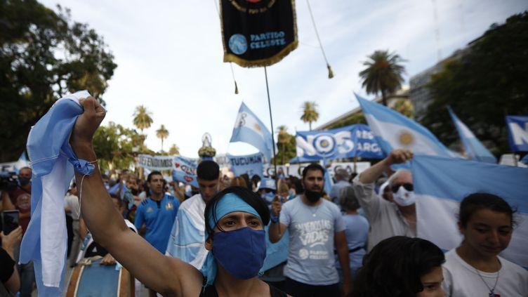 Manifestation des opposants à la légalisation de l'avortement, le 28 décembre 2020 à Buenos Aires (Argentine) (EMILIANO LASALVIA / AFP)