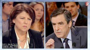"""Martine Aubry et François Fillon sur le plateau de """"Des paroles et des actes"""", l'émission de France 2, le 2 février 2012. (FRANCE 2 /AFP)"""