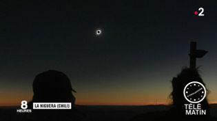 Près de 300 000 touristes ont assisté à ce spectacle somptueux, mardi 2 juillet dans le nord du Chili. (FRANCE 2)