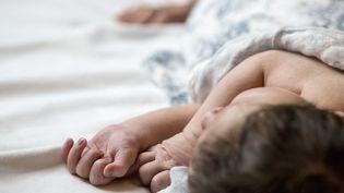 Un bébé en Suède, le 23 juin 2016. (CHRISTINE OLSSON / TT NEWS AGENCY / AFP)