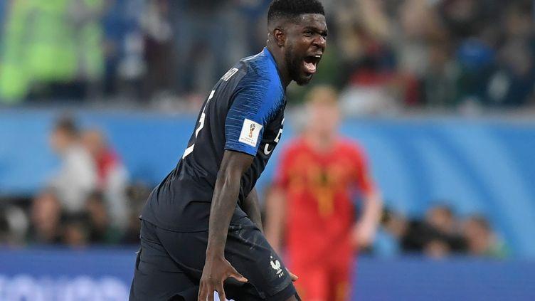 Le buteur du match Samuel Umtiti, pendant la demi-finale de Coupe du monde France-Belgique, le 10 juillet 2018. (GABRIEL BOUYS / AFP)