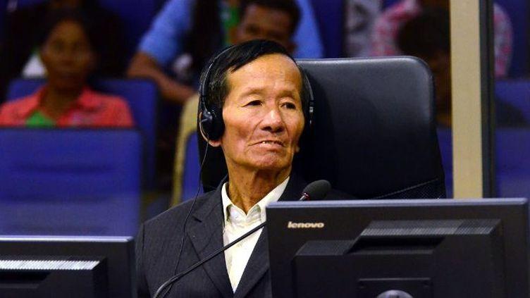 Sen Srun, ex-détenu, témoigne au procès des deux adjoints de Pol Pot, le 14 septembre 2015. (NHET SOK HENG / ECCC / AFP)