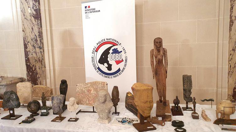 Une partie des antiquités restituées à l'Etat égyptien, dans son ambassade à Paris, ici le 25 juin 2021. (HANDOUT / OCBC)
