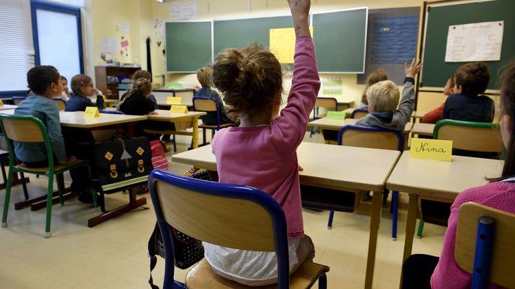 190 000 élèves vont bénéficier du dispositif des classes dédoublées en 2018. (FRED TANNEAU / AFP)