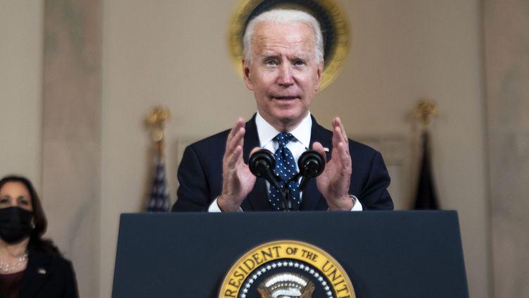 Le président américain Joe Biden s'exprime depuis la Maison Blanche, à Washington, le 20 avril 2021, après le verdict reconnaissant Derek Chauvin coupable du meurtre de George Floyd. (GETTY IMAGES NORTH AMERICA / AFP)