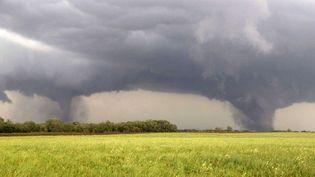 Deux tornades près de Pilger (Nebraska, Etats-Unis), le 16 juin 2014. (ERIC ANDERSON / AP / SIPA)