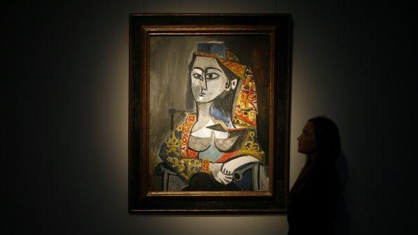 """""""Femme au costume turc dans son fauteuil"""" (1955) de Pablo Picasso  (Reuters pic)"""