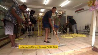 Des sinistrés de la tempête Dorian en Martinique (FRANCEINFO)