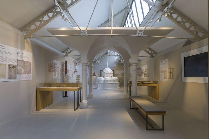 Vinci : découvrir le peintre et l'architectedans le nouvel édifice ouvert le 25 juin 2021 au Clos-Lucé, à Amboise (photo du 12 mai 2021) (AVENET PASCAL / HEMIS.FR / AFP)