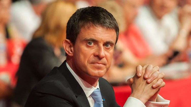 """(Le Premier ministre, Manuel Valls, a appelé les représentants du culte musulman à """"donner une autre image de l'islam"""" © NOSSANT/ROBERT/SIPA)"""