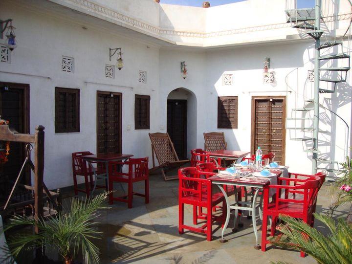 Le patio de la maison d'hôtes, où sont servis les repas (HERVE VITAL)