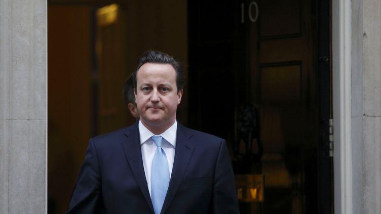 Le Premier ministre britannique, David Cameron, quitte le 10 Downing Street à Londres (Royaume-Uni), le 9 janvier 2013. (JUSTIN TALLIS / AFP)
