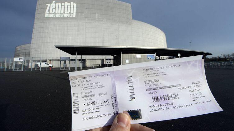 """Le tribunal administratif de Nantes a autorisé la tenue du spectacle """"Le Mur"""" de Dieudonné dans cette ville le soir même, jeudi 9 janvier. (  MAXPPP)"""