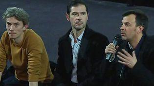 """Swann Arlaud, Melvil Poupaud et François Ozon à Lyon lors de l'avant-première de """"Grâce à Dieu"""", le 12 février 2019  (France 3 / Culturebox / capture d'écran)"""