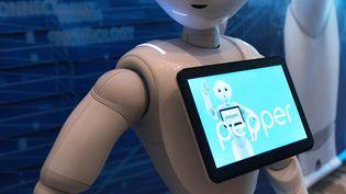 Pepper, robot humanoïde qui peut reconnaître les émotions humaines (MANDEL NGAN / AFP)