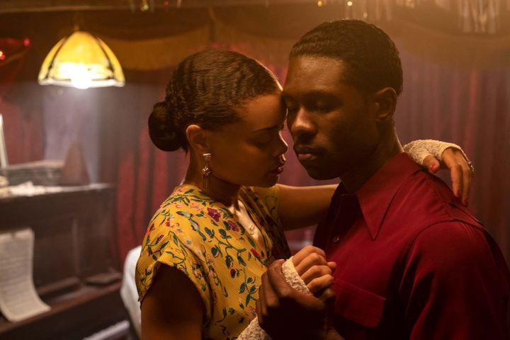 """Andra Day et Trevante Rhodes dansdans""""Billie Holliday, une affaire d'Etat"""" de Lee Daniels (2021). ( PHOTO CREDIT: TAKASHI SEIDA)"""