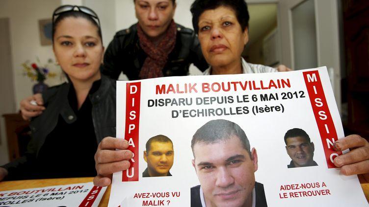 Deux ans après la disparition de Malik Boutvillain, sa famille lance un nouvel appel à Echirolles (Isère), le 17 avril 2014. (MAXPPP)