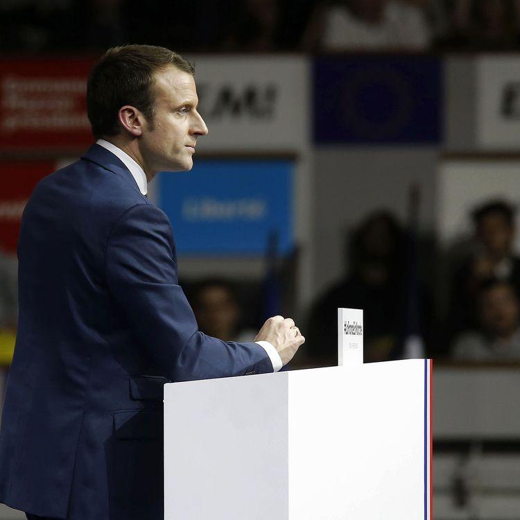 Emmanuel Macron, lors de son meeting à Lyon (Rhône), le 5 février 2017. (PASCAL FAYOLLE/SIPA)
