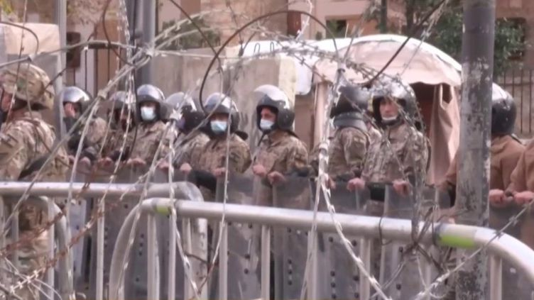 """Liban : """"La situation économique est insupportable"""" selon les manifestants (Capture d'écran franceinfo)"""