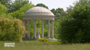 Château de Versailles : grâce au confinement, le jardin de Marie-Antoinette est redevenu comme il y a 300 ans (ENVOYÉ SPÉCIAL  / FRANCE 2)