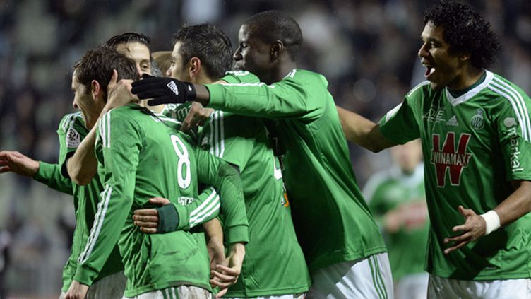La joie des joueurs de Saint-Etienne (JEAN-PHILIPPE KSIAZEK / AFP)