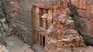 Le Khazneh du site de Pétra (Jordanie), ici en juillet 2012, souffre de l'érosion due au temps et au passage de centaines de milliers de visiteurs par an. (MANUEL COHEN / AFP)