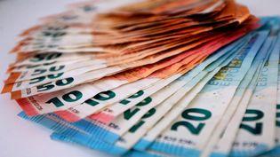 Illustration billets de banque. (LIONEL VADAM  / MAXPPP)