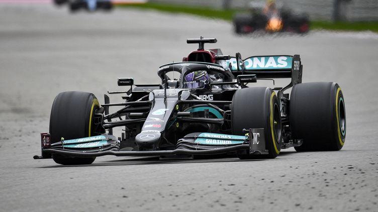 Lewis Hamilton lors du Grand Prix de Russie dimanche 26 septembre 2021. (ALEXANDER NEMENOV / AFP)