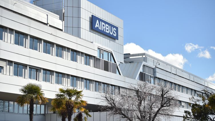 Un des sites d'Airbus, situé à Blagnac, près de Toulouse. (REMY GABALDA / AFP)