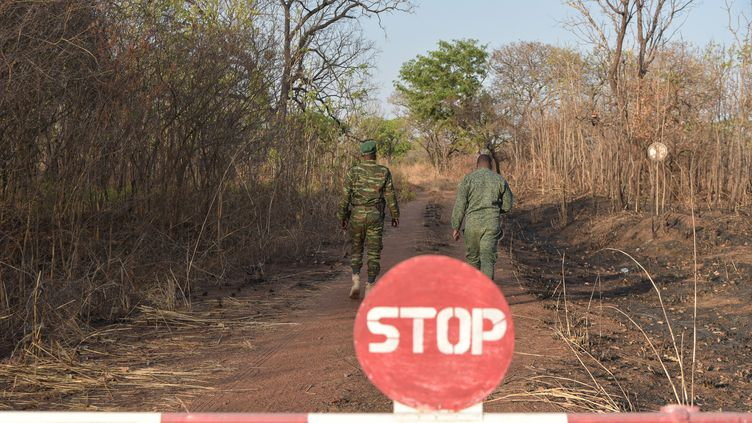 Des rangers dans le parc de la Comoé en janvier 2019. (SIA KAMBOU / AFP)