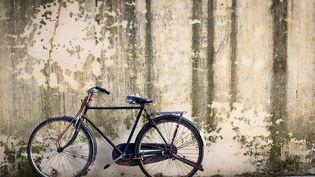Les bicyclettes étaient d'abord prises en photo là où les rangeaient leurs propriétaires, puis proposées à la vente. Si un acheteur se manifestait, elles étaient alors volées, et revendues. (GARY JOHN NORMAN / GETTY IMAGES)