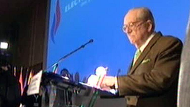 Jean-Marie Le Pen lance la campagne du FN pour les régionales, le 13 février 2010 (France 3)