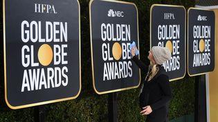 Préparatifs de la 76e cérémonie des Golden Globes le 5 janvier 2019. (MARK RALSTON / AFP)