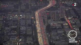 Embouteillages en Californie pour Thanksgiving (France 2)