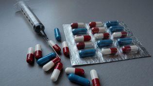 Depuis l'affaire du Mediator, de nombreux autres scandales sanitaires ont secoué la pharmacovigilance française. (RAPHAEL BLOCH / SIPA)