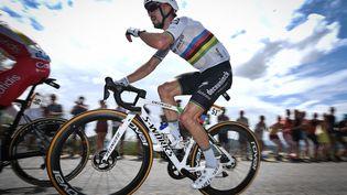 Julian Alaphilippe lors de la 11e étape du Tour de France 2021. (DAVID STOCKMAN / BELGA MAG / AFP)