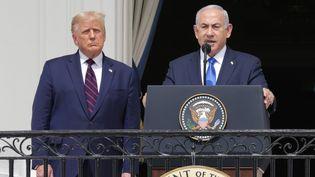 Donald Trump (à gauche) et BenyaminNétanyahou (à droite), à la Maison Blanche (Etats-Unis), le 15 septembre 2020. (ALEX WONG / GETTY IMAGES NORTH AMERICA / AFP)