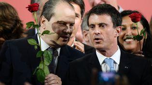 Le premier secrétaire du PS Jean-Christophe Cambadélis et le Premier ministre Manuel Valls, le 7 juin 2015, à Poitiers (Vienne). (JEAN PIERRE MULLER / AFP)