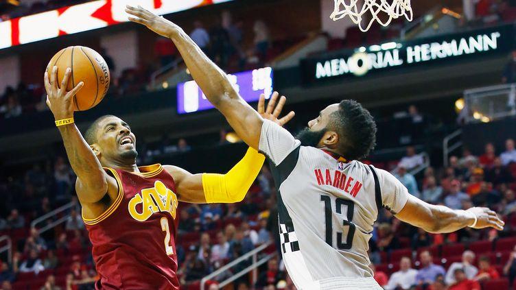 Kyrie Irving et les Cavs n'ont laissé aucune chance aux Rockets  (SCOTT HALLERAN / GETTY IMAGES NORTH AMERICA)