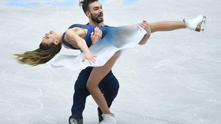Le couple français de danse sur glace, Gabriella Papadakis et Guillaume Cizeron, durant leur programme libre.