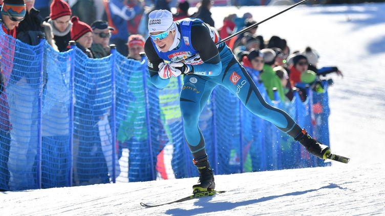 Lucas Chanavat en quête de la première médaille française en individuel de ski de fond depuis 2006. (BARBARA GINDL / APA)