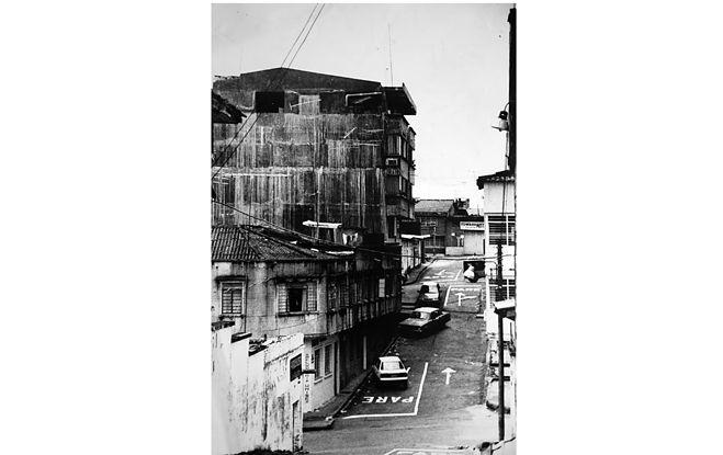 (© Fernell Franco, Série Pacifico, 1988 © Fundación Fernell Franco, Cali)