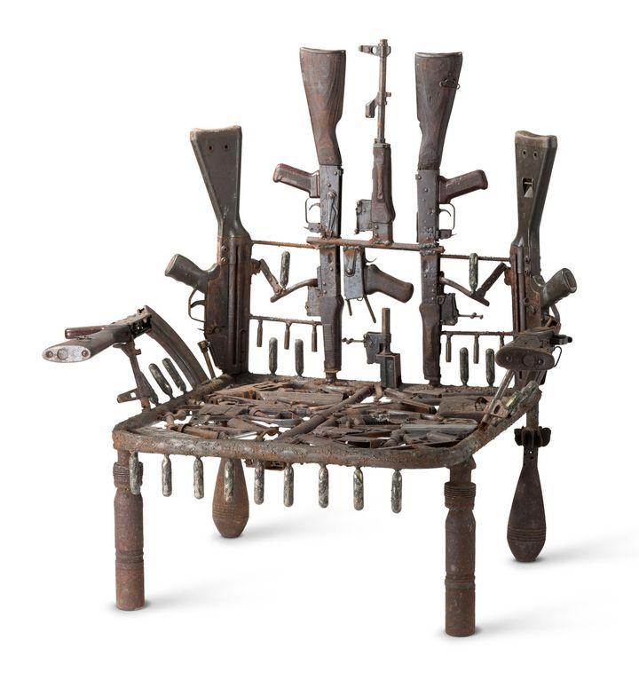 Gonçalo Mabunda, www.crise.com (designed 2012)   (Vitra Design Museum, photo: Jürgen HANS www.objektfotograf.ch)