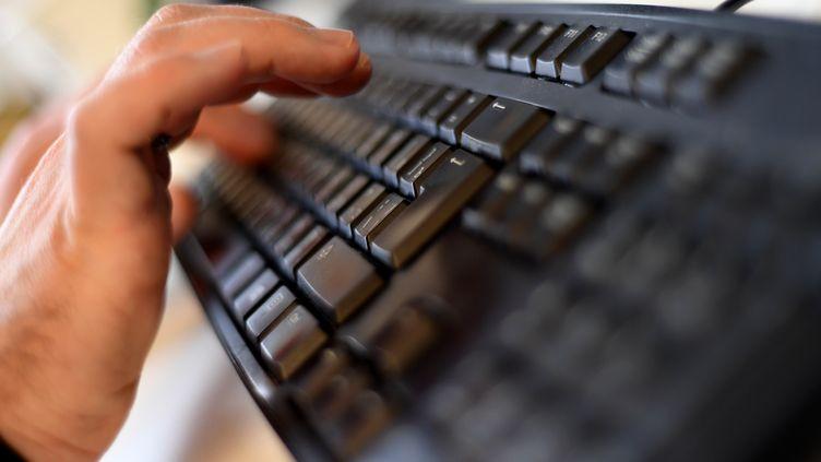 Un clavier d'ordinateur. (Illustration). (KIRILL KUDRYAVTSEV / AFP)
