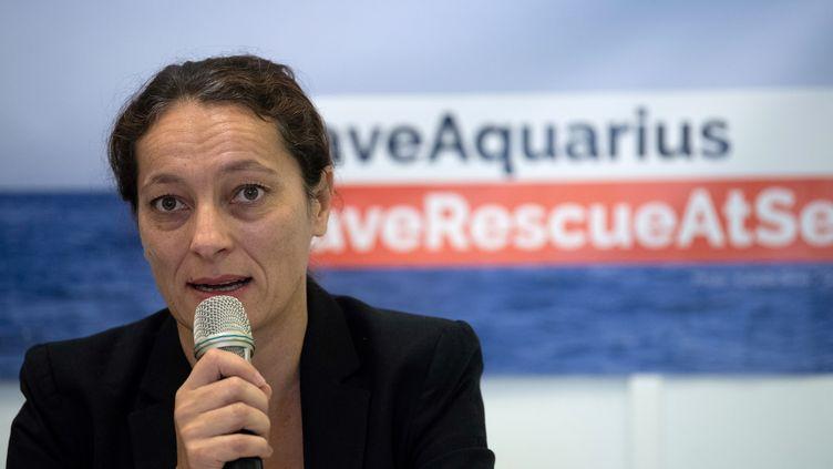 Sophie Beau, cofondatrice et directrice générale de SOS Méditerranée, lors d'une conférence de presse le 5 octobre 2018, à Marseille. (CHRISTOPHE SIMON / AFP)